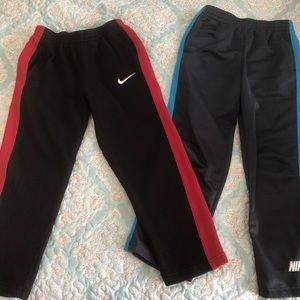 2 pairs of Nike sweats